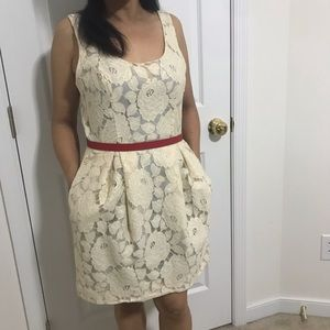 Dresses & Skirts - Lace floral dress